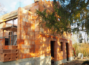 Extension en briques alvéolées